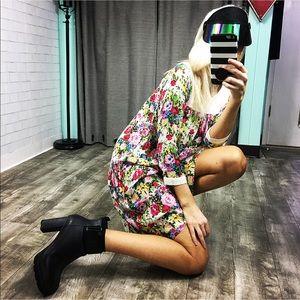 Dresses & Skirts - Vintage 💐Floral 💐Dress. (NIGHTGOWN?)